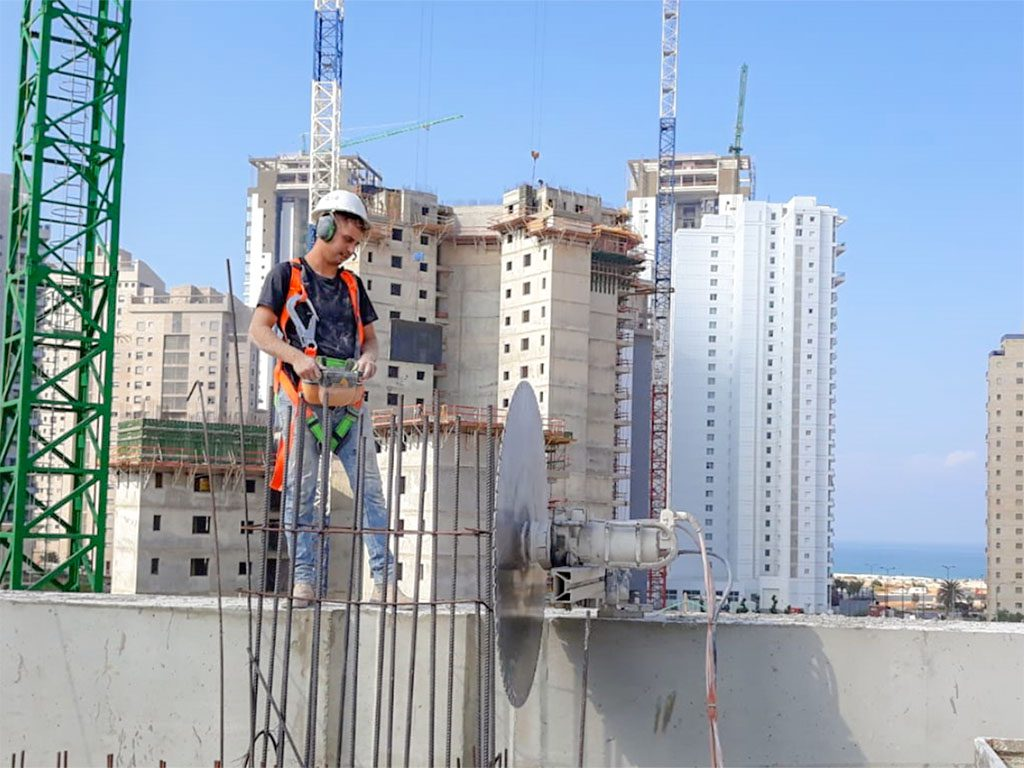 יהלומי ניסור בטון בגובה