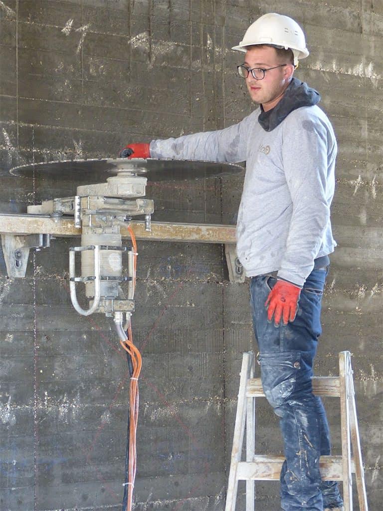 מכונת הניסור בטון