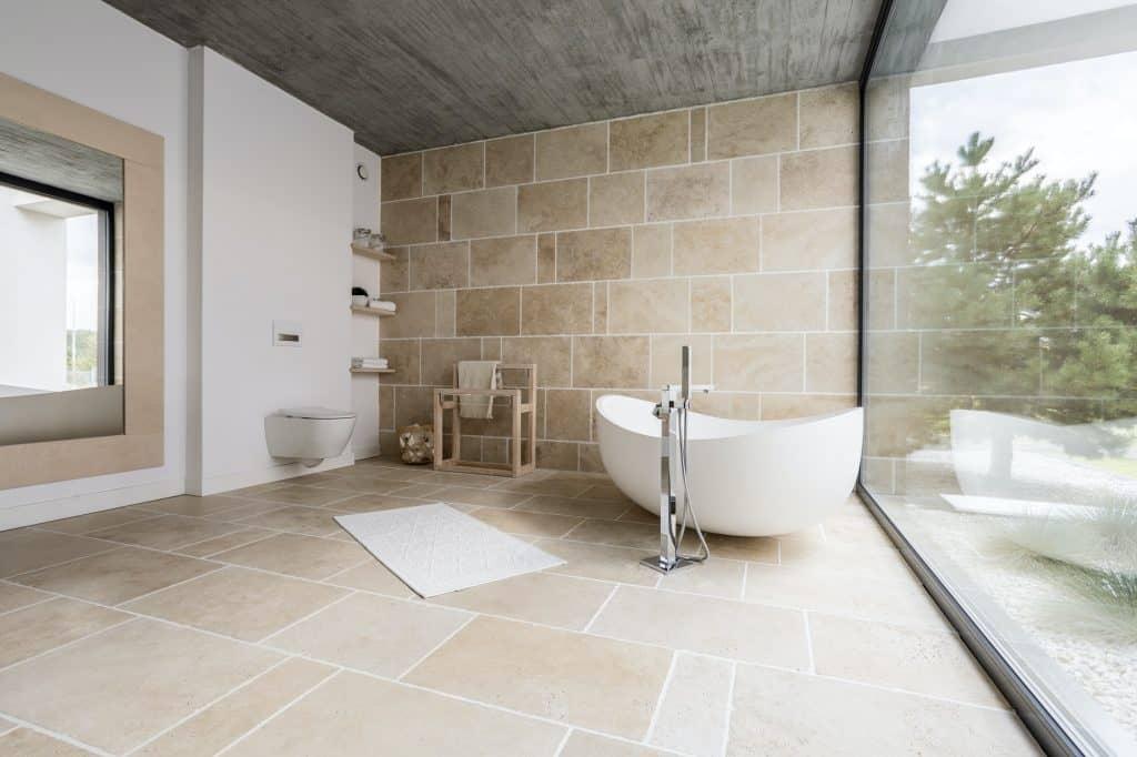 אריחי בטון באמבטיה